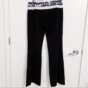LULULEMON | Tall Black Yoga Pant Size 10